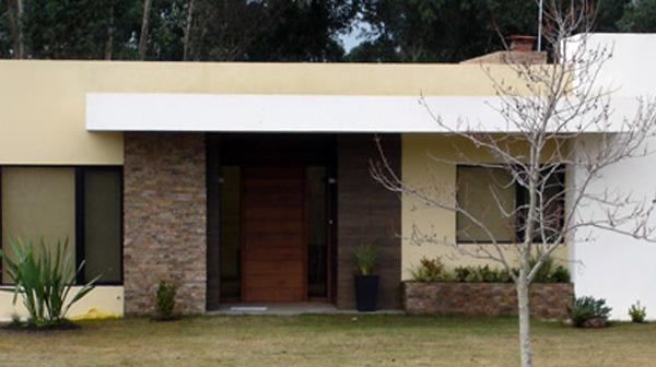 Casa minimalista en cumbres de carrasco master homes for Casa minimalista en